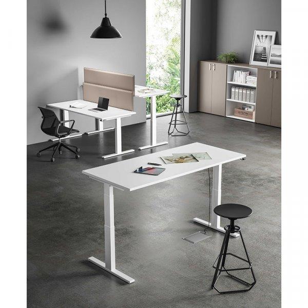 Scrivania con piano regolabile Up About Office