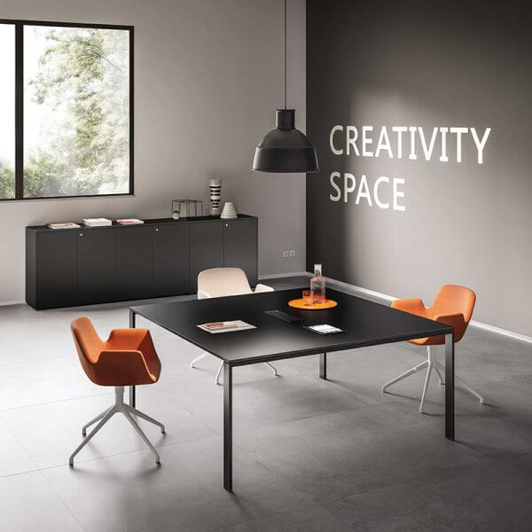 Tavolo riunioni quadrato gamba U About Office